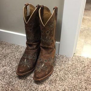 Shyanne Cowgirl Daisy Mae western boots